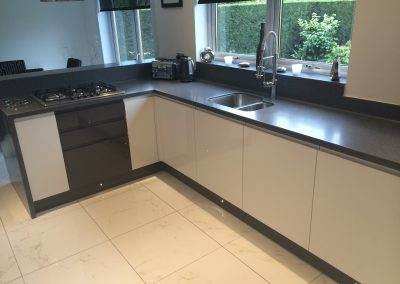 Corian Midnight worktops and breakfast area
