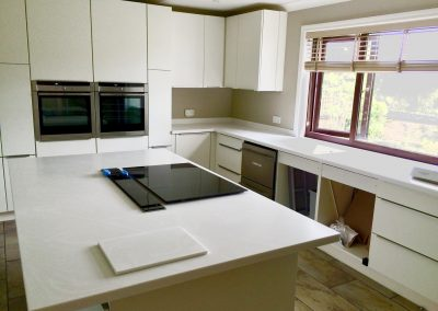 Corian Venaro White Worktop and Island (2)