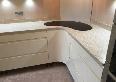 Mistral Biscuit Worktop with Kidney Bean-Shaped Hob